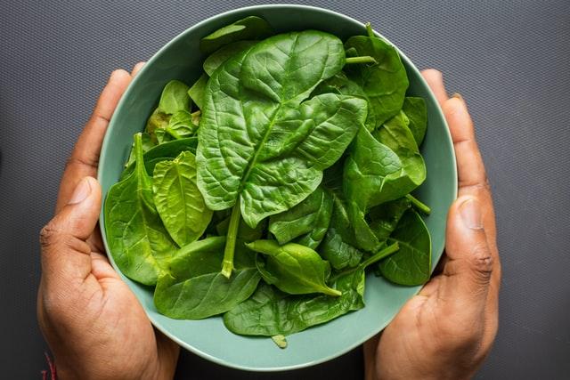 Spinach in the bowl