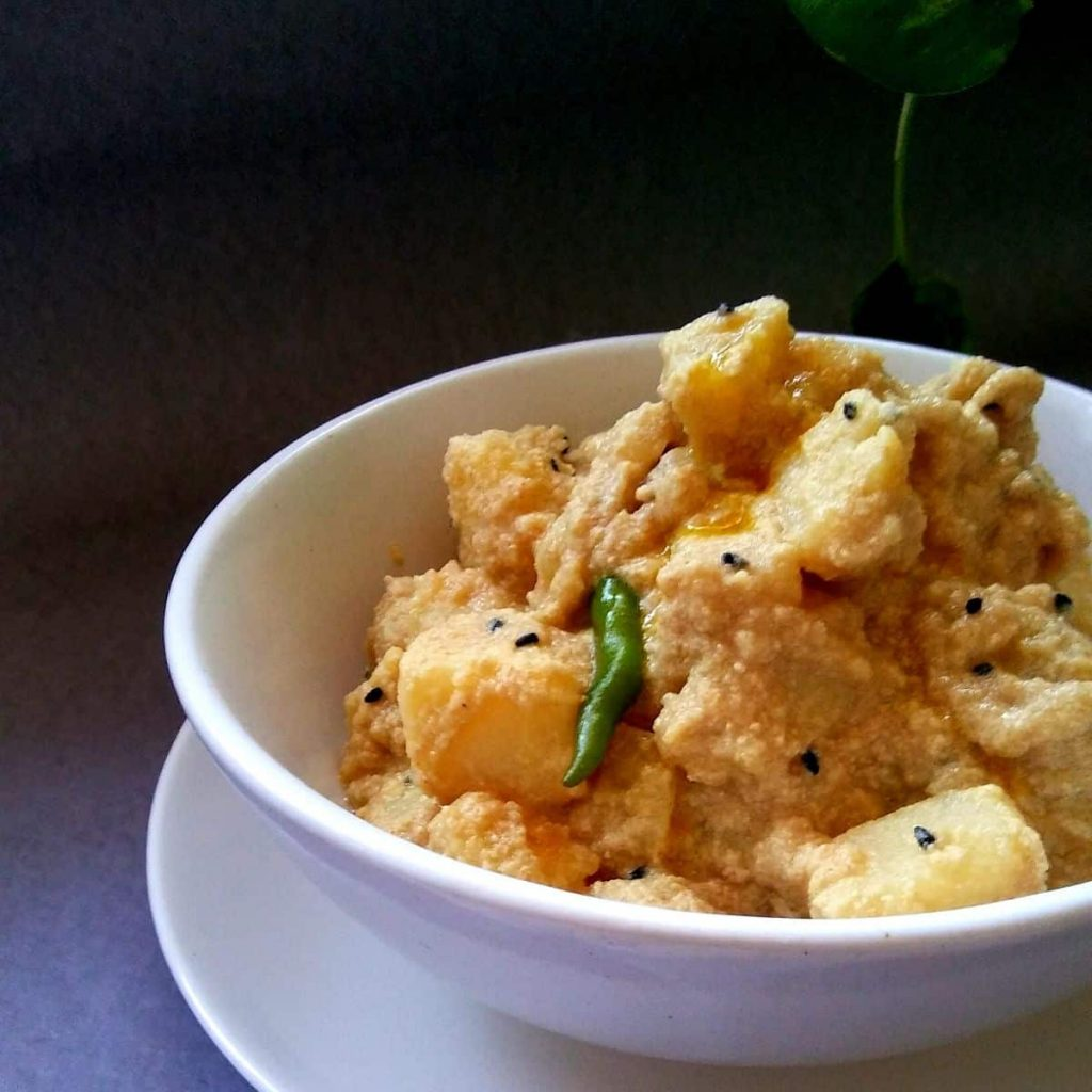 Bengali Aloo Posto is a home-made dish prepared with aloo, grinded poppy seed, cumin seeds and garnished by pouring a little bit of mustard oil. It is generally consumed with daal and vegetables.